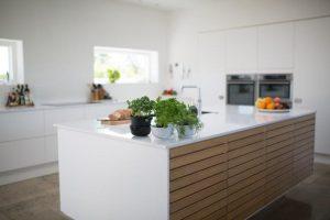 cambiar la encimera de tu cocina a precio